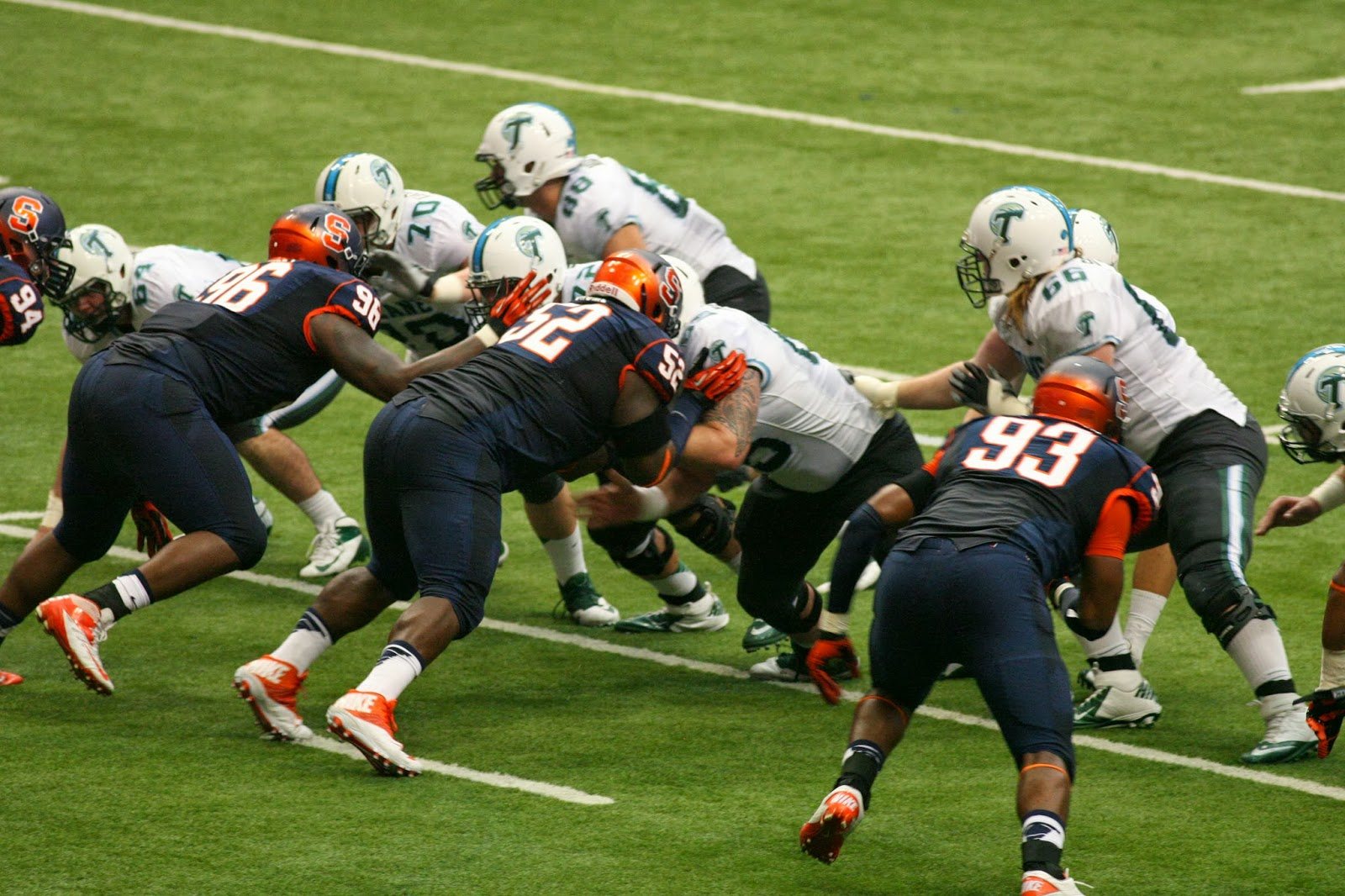 Syracuse routs Tulane 52-17