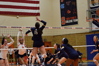 Notre Dame Sweeps Syracuse Volleyball