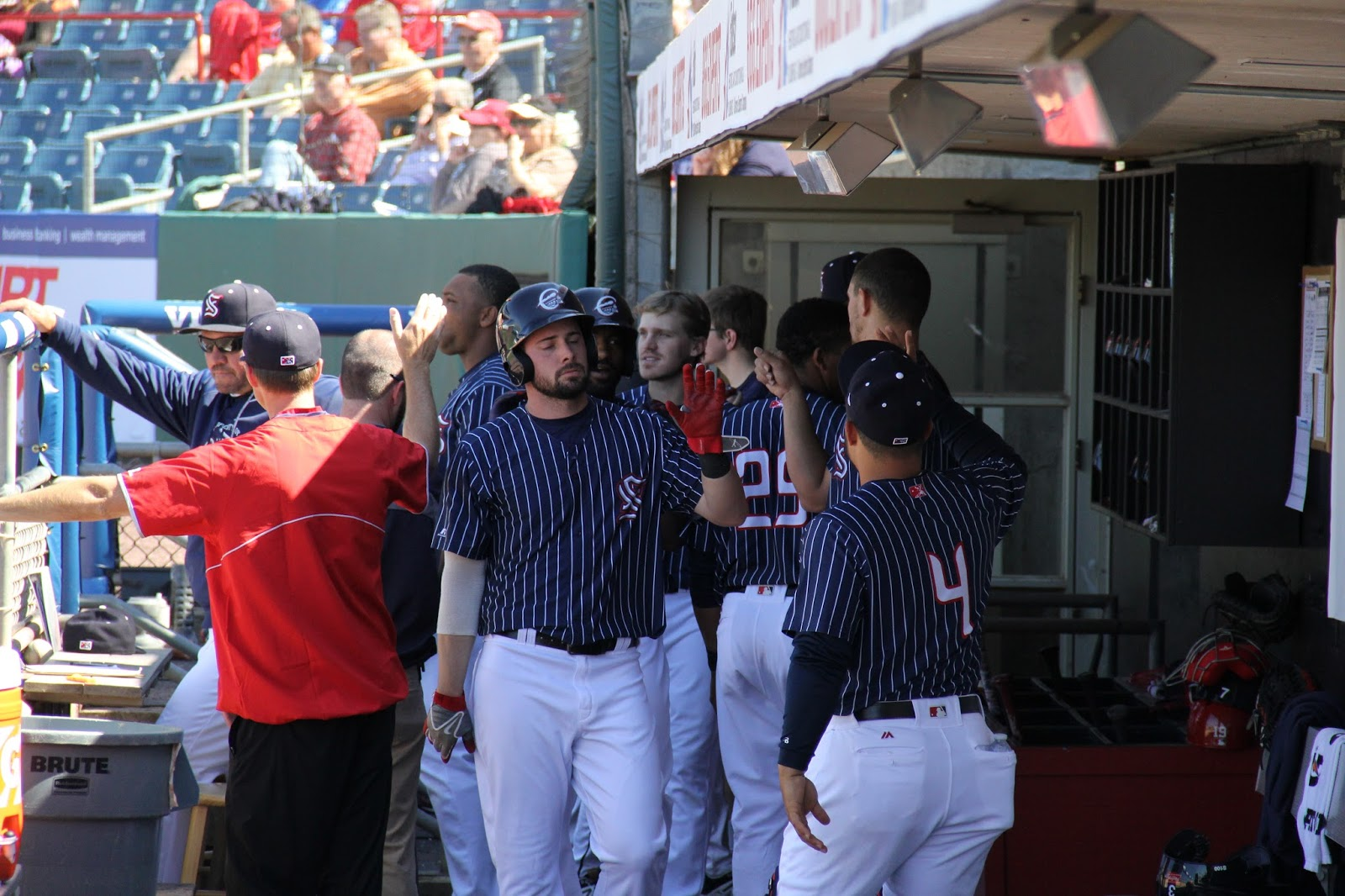 Chiefs Sweep Tides, Win Sixth Straight